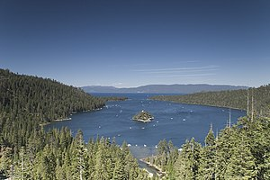 English: Emerald Bay, Lake Tahoe. Deutsch: Eme...