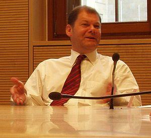 Deutsch: Olaf Scholz (während einer Diskussion...