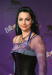 AmyLee2003BillboardAwards.jpg