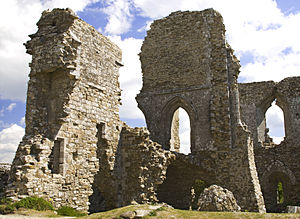 English: Ruins of Corfe Castle, Dorset, England