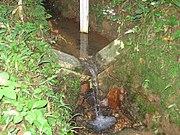 Vertedouro de medição do volume de água