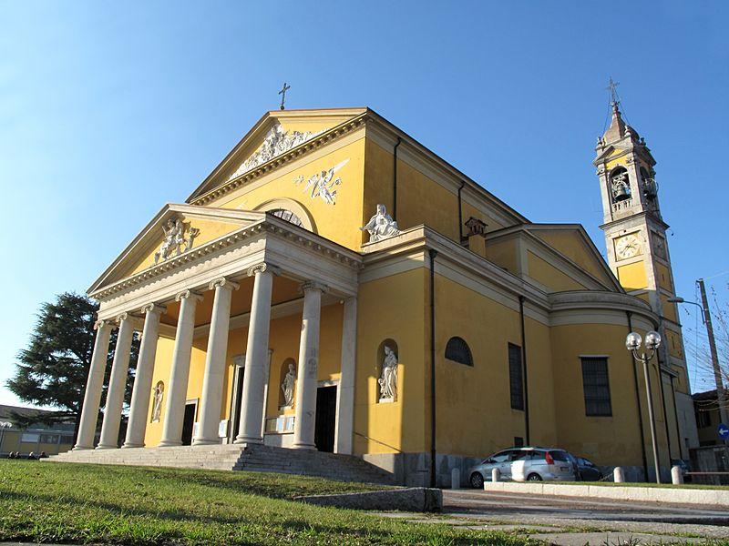 File:Chiesa Prepositurale Casatenovo.jpg