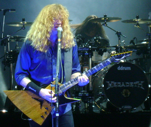 English: Dave Mustaine performing in 2011 at H...