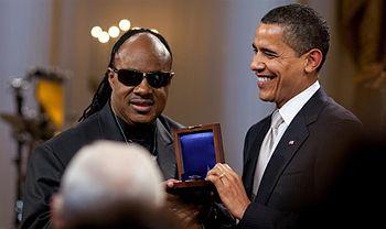 President Barack Obama presents Stevie Wonder ...