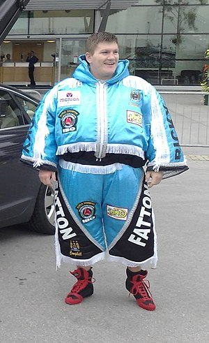English: Ricky Hatton outside Manchester City ...