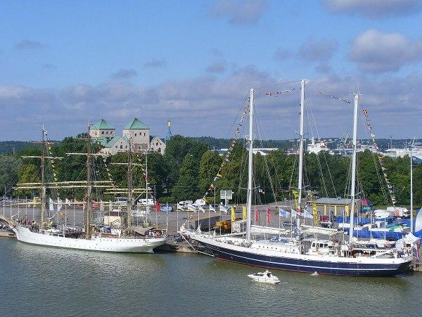 Крейсерская яхта Википедия