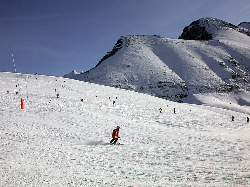File:Skiing picture.jpg