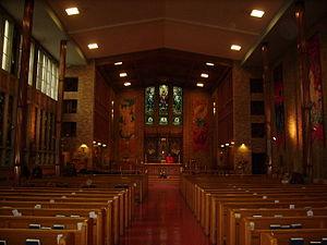 English: The interior of All Saints'