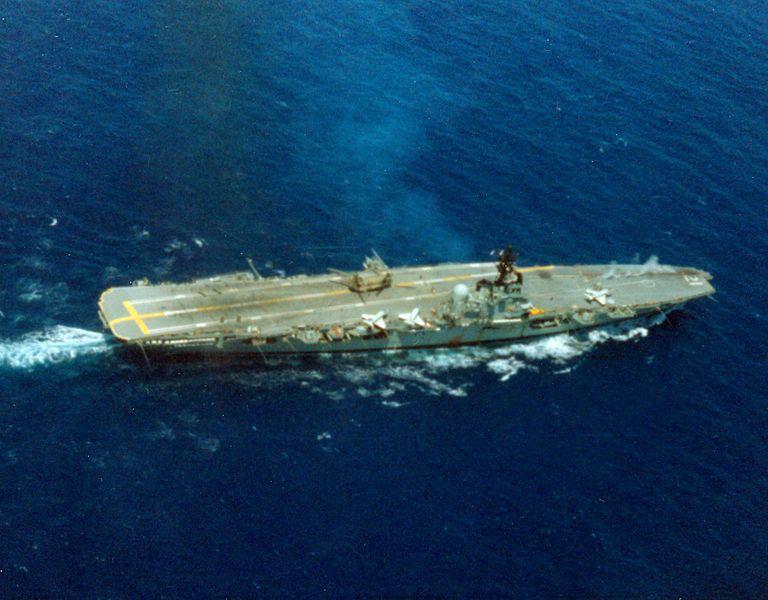 File:HMAS Melbourne (R21) underway aerial 1979.jpg
