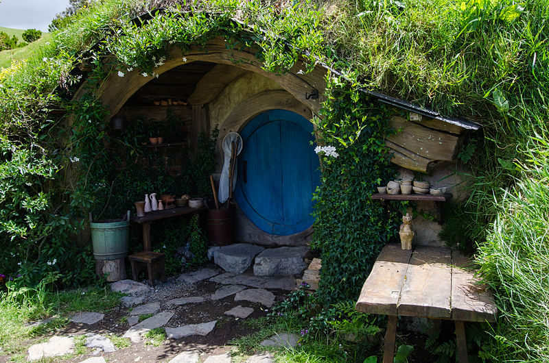 File:Hobbit Hole.jpg