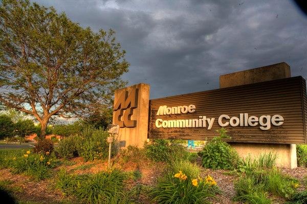 File:Monroe Community College Brighton Campus Entrance 2 ...