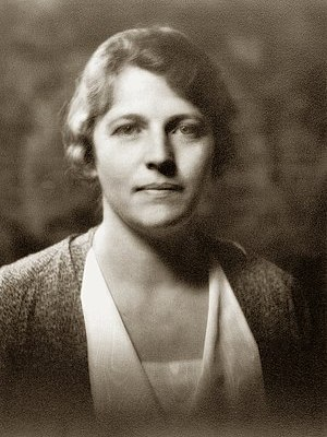 English: Pearl Buck, Pulitzer Prize-winning Am...