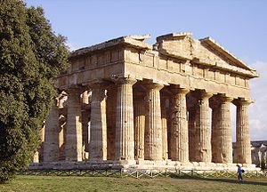 English: Temple of Apollo in Paestum. Español:...