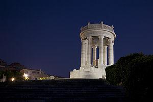 Italiano: Ancona, Italy. Passetto di notte.