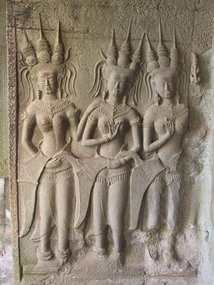 English: Apsara relief from Angkor Wat, Cambod...