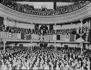 A 1933 audience to a Gilbert and Sullivan perf...