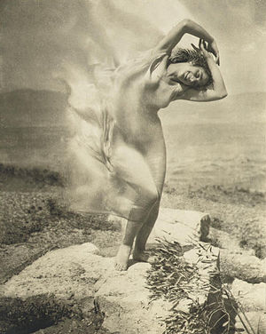 Steichen - wind fire - Thérèse Duncan on the A...