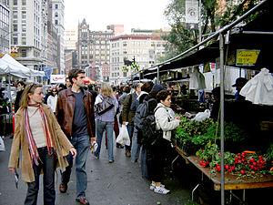 English: Farmers market at Union Square, New Y...