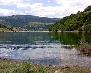 Zavojsko lake, near Pirot, Serbia/Le lac Zavoj...