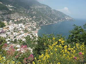 English: Amalfi with the gulf of Salerno Neder...