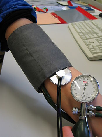 English: blood pressure measurement Deutsch: :...