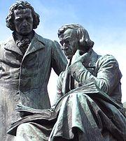Estatua de los Hermanos Grimm en Hanau.