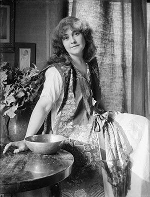 Rose O'Neill, illustrator and originator of th...