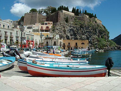 Lipari Sizilien Hafen
