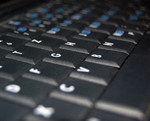 English: A keyboard of an laptop made by Hewle...