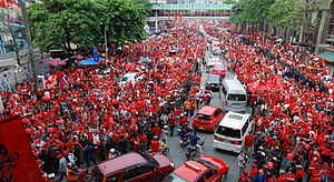 Red Shirts protest on Ratchaprasong intersecti...