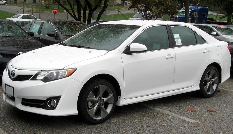 File:2012 Toyota Camry SE -- 10-19-2011.jpg