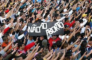 Português: Bento XVI durante encontro com os j...