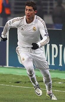 قائمة لاعبي ريال مدريد ويكيبيديا
