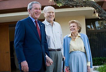 English: President George W. Bush, Former Pres...