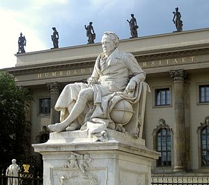 Deutsch: Denkmal Alexander von Humboldt vor de...