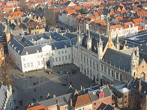 The Burg square with the City Hall.