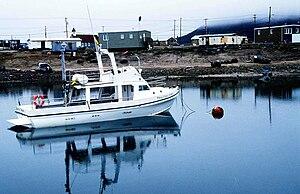 Modern yacht (Qikiqtarjuaq, Nunavut)