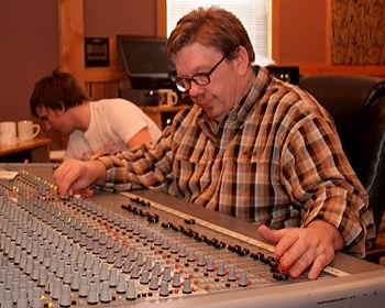 English: David R Ferguson Audio Engineer