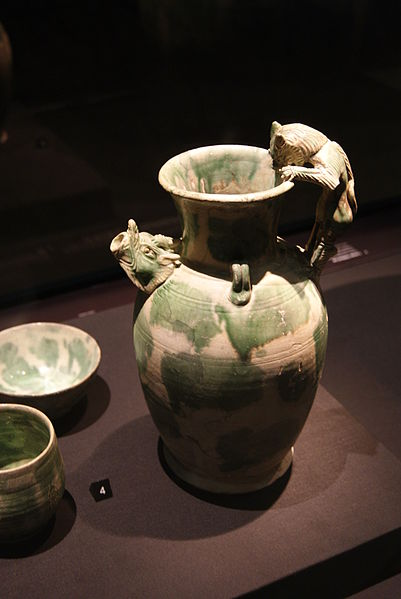 File:Ewer with feline-shaped handle from the Belitung shipwreck, ArtScience Museum, Singapore - 20110618-01.jpg