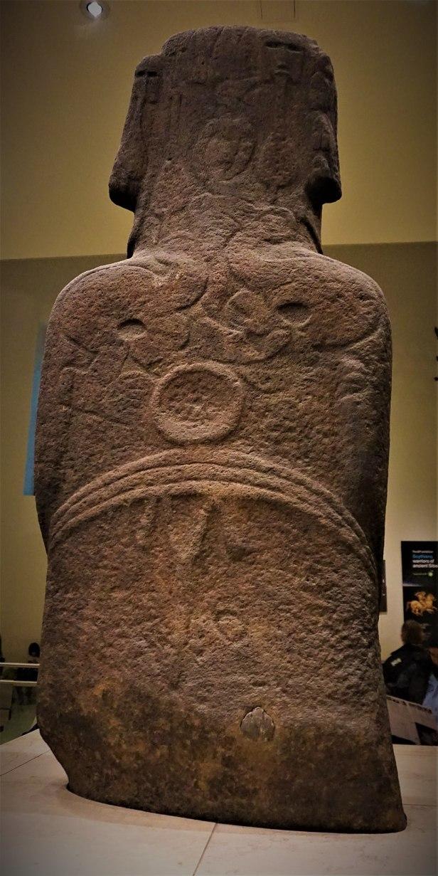 Hoa Hakananai'a - Moai from Easter Island - Joy of Museums - 2