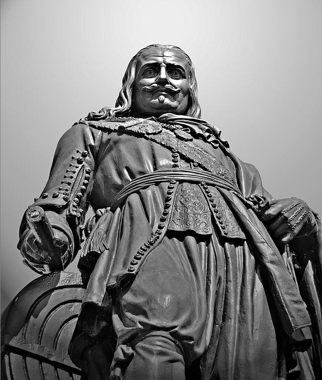 standbeeld michiel de ruyter