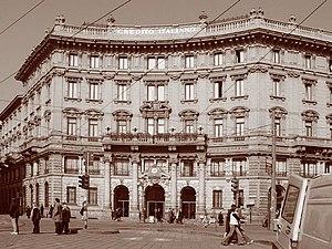 Il Palazzo del Credito Italiano in Piazzale Co...