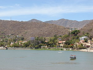 English: Overview of the bay Chapala, in the r...