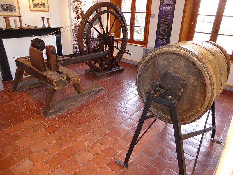 Fichier: Felleries, Le musée des Bois Jolis (7) .JPG