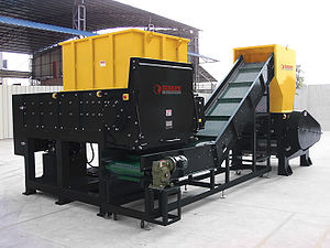 Industrial shredder and granulator with a conv...