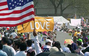 English: March for America brings 200,000 peop...