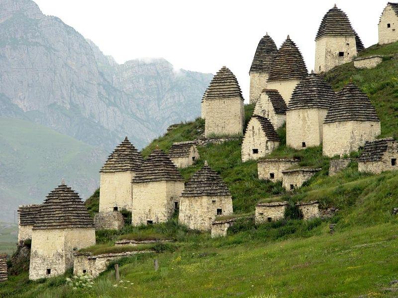 File:In Dargavs North Ossetia.jpg