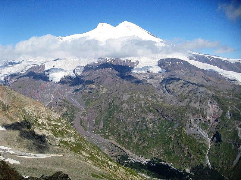 Bestand:Mt. Elbrus in Russia.jpg