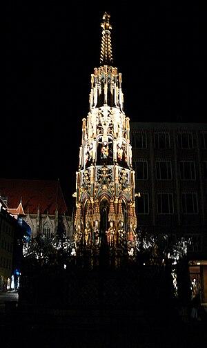 Nürnberg, Schöner Brunnen nachts