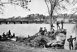 Union soldiers guarding the Potomac River in 1...
